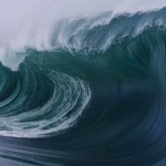 Big Wave Surfing – Teahupo'o, Tahiti