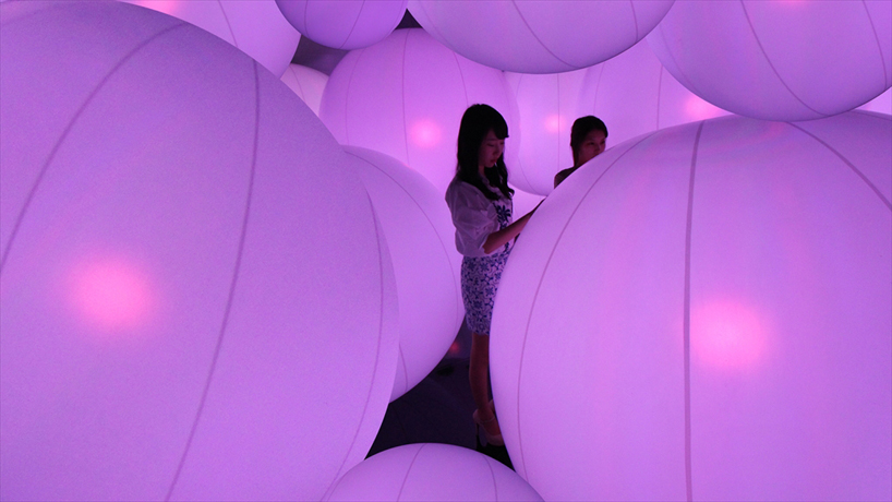 Colored Spheres Respond to Human Touch 8