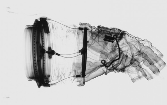 X-Ray Apollo 17 lunar glove